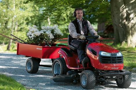 Uppsala Trailercenter Jonsered traktor åkgräsklippare